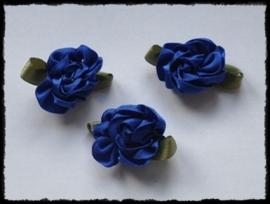 Satijnen bloem met gekruld blad, kobalt - 3 stuks - 3 cm.