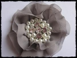 XL-bloem - luxe chiffon met parels en strassteentjes, grijs - 9 cm.
