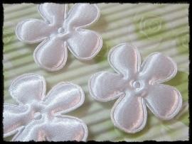 Satijnen bloemetje, wit - 3.5 cm.