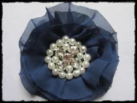 XL-bloem - luxe chiffon met parels en strassteentjes, donkerblauw - 9 cm.