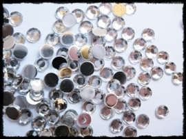 Strass steentjes - 10 stuks - 5 mm.