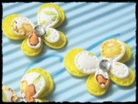 Dubbellaags geel gebloemde vlinder met strass - 3 stuks - 2.5 cm.