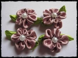 Satijn bloemetjes met parel, oudroze - 4 stuks - 32mm.