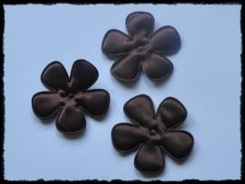 Satijnen bloemetjes, chocoladebruin - 4 stuks - 47mm.