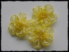 Organza bloemetje met kraaltjes, geel - 3 stuks - 3 cm.
