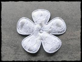Grijze bloem met kant - 2 stuks - 6.5 cm.