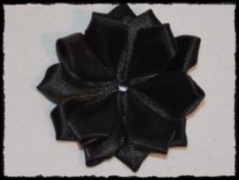 Satijnlint rozet, zwart - 5 cm.