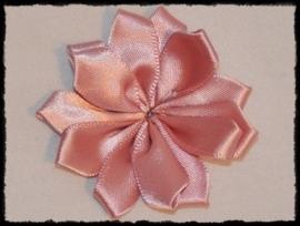 Satijnlint rozet, oudroze - 5 cm.