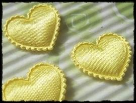 Hartjes satijn, geel - 4 stuks - 2 cm.