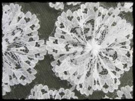 (gr) Witte bloem van kant - 3 stuks - 5.5 cm..