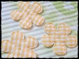 Geruit bloemetje, geel - 4 stuks - 2,5 cm.