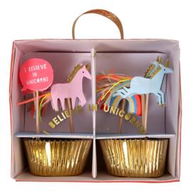 Regenbogen en eenhoorns feestartikelen - cupcake kit (48dlg)