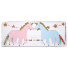 Regenbogen en eenhoorns feestartikelen - 4-delige slinger set