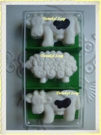 Kado set Koeien en Schaap van zeep