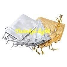 Luxe Kado zakje goud-zilverkleur per set van 2 stuks te bestellen