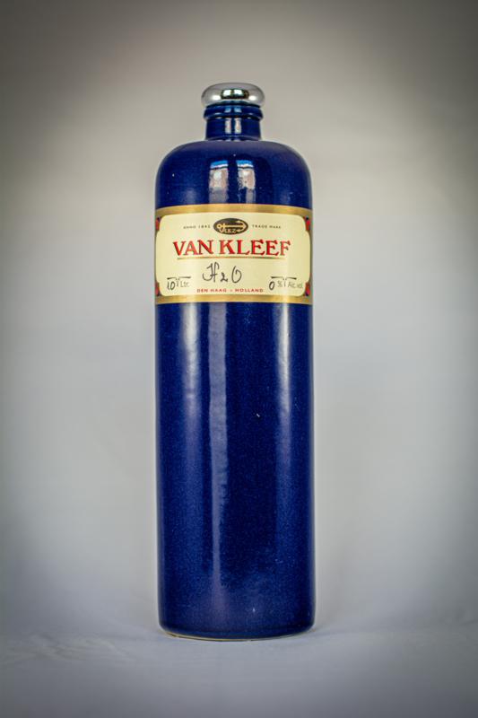 "Van KLeef ""H2O"" stone bottle 1.0l."