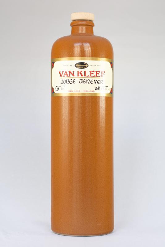 Young Jenever stone bottle 1.0l. - 35% AV