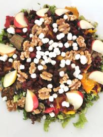 Salade Biet met Geitenkaas,  walnoten, appel en balsamico