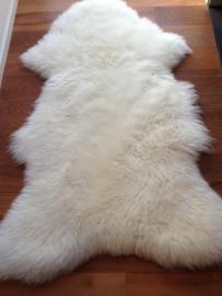 Prachtig wit/cremekleurig schapenvacht!!