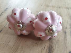Roze porseleinen bloemknop