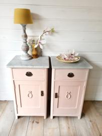 Set roze brocante nachtkastjes