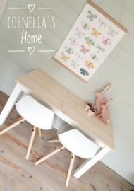 Stoere kindertafel speeltafel wit of  met vergrijsd of blank gelakt blad op maat gemaakt