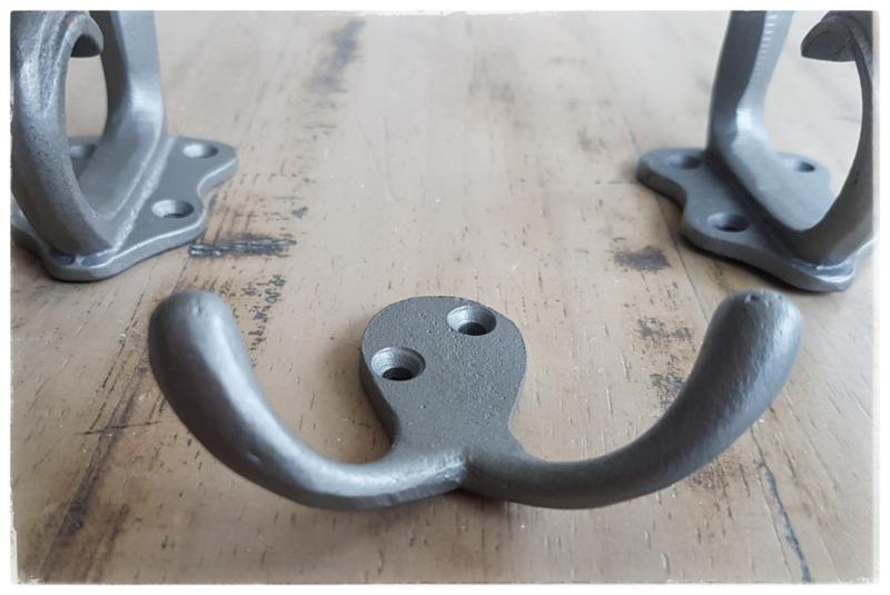 Double short hook - grijs metalen kapstokhaak