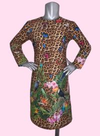 4453 - Luipaard met tropische vogels jurkje (ook korte mouw)