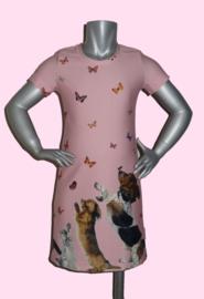 4233 - Roze hondjes en poesjes jurkje maat 86-92