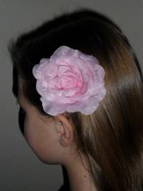 7029 - Haarspeld roze roos