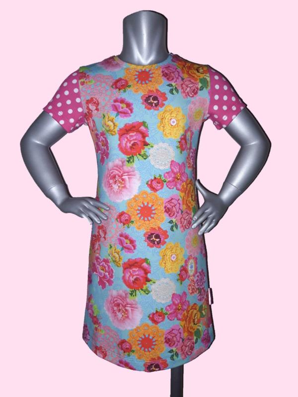 4435 - Vrolijk bloemen jurkje