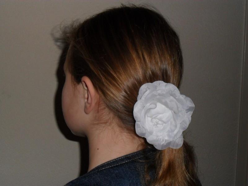 7028 - Haarspeld  roos!