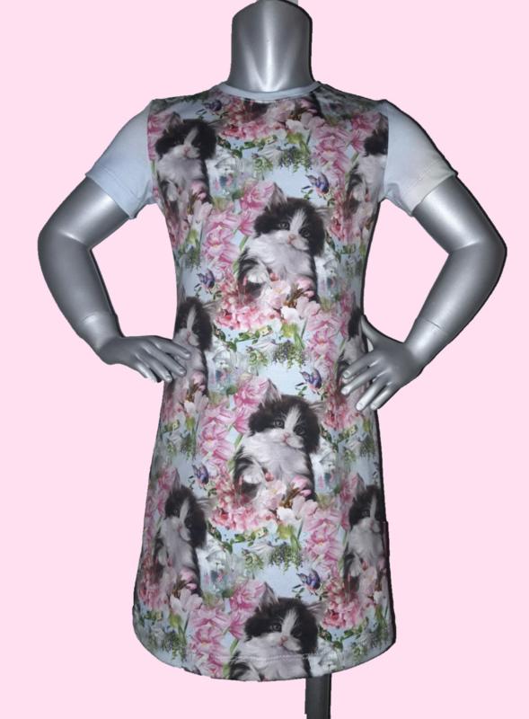 4407 - Poezen jurk