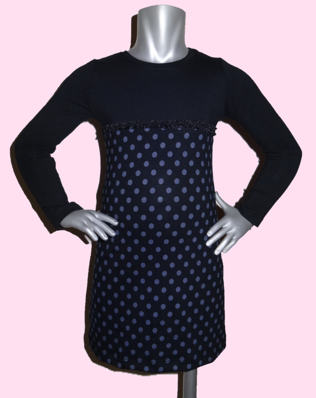 4201 - zwart grijs stippen jurkje maat 98-104