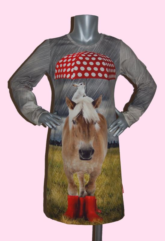 4356 - Paarden jurkje met rode paraplu 110-116 (ook korte mouw)