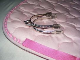roze dekje + sporen met roze strass
