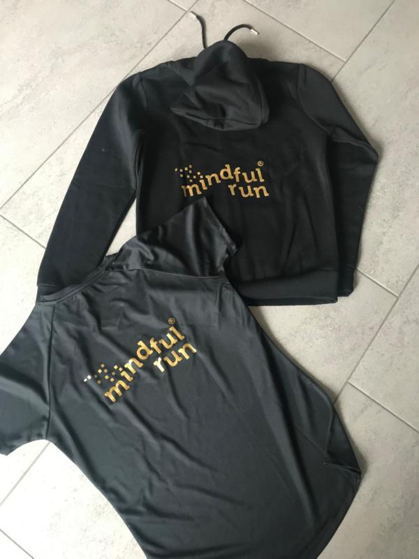 Zoodie zwart ( vest met rits) gouden letters