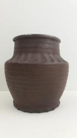 Zware vaas B&B keramiek 19 cm. / Heavy vase B&B ceramics 7.5 inch.