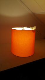 Oranje lamp met stoffen kap / Orange lamp with fabric shade