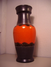 40 cm. Vloervaas U-Keramik in bruin oranje. / 15.7 inch Floor vase by U-keramik