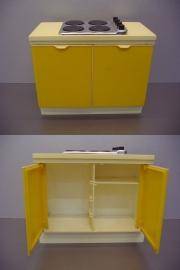Sindy's hob unit /  Plastic keukenblokje / Little plastic kitchen sink