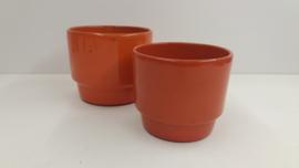 2 oranje potten in nummer 293 en 294 / 2 orange planters in number 293 and 294
