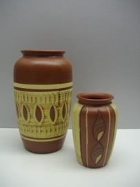 Set vazen van Sawa 12 en 20 cm. / Set vases by Sawa 4.7 an 7.9 inch.