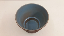 Blauwe pot met  grove structuur nr. 2117-5 / Blue jar with coarse relief  nr. 2117-5