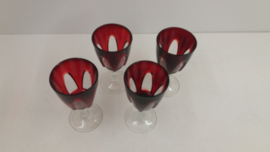 Set rode wijnglazen 4x / 12.5 x 6.5 cm. / Set red wine glasses 4x / 4.9 x 2.5 inch.