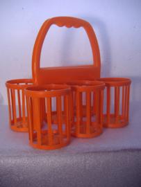 Curver flessenhouder in oranje. / Curver bottle container in orange.