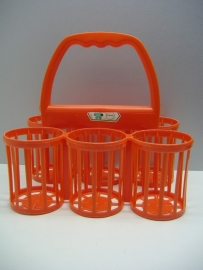Rood oranje flessenrek Curver. / Red orange bottle container by Curver