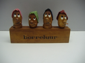 Borreluur wijnstoppers, kurk en opener. / Bar winestoppers, cork and bottle opener