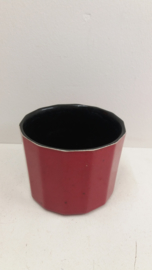 Rode bloempot nummer 2140 in maat 3 / Red planter number 2140 size 3