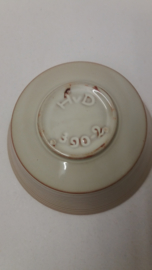 Mooie schaal gemerkt H v D en 390-2 / Nice bowl marked H v D and 390-2